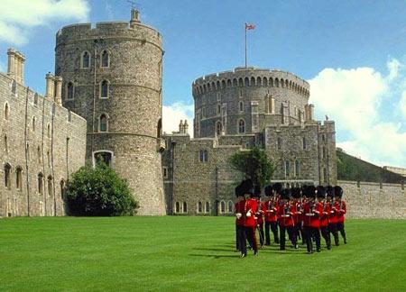 قلعه ویندسور در شهرستان برکشر, عکس های قلعه ویندسور, قلعه ویندسو