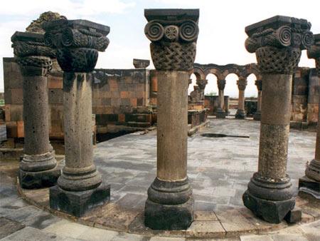 کلیسای جامع زوارتنوتس در ارمنستان,عکس های کلیسای جامع زوارتنوتس,کلیسای جامع زوارتنوتس