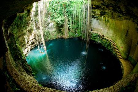 شنا کردن, عجیب ترین مکانها برای شنا کردن, استخر های طبیعی