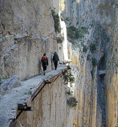 خطرناک ترین گذرگاه های دنیا,خطرناک ترین گذرگاه های جهان,خطرناک ترین جاده های جها