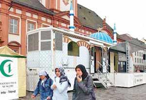 مسجد متحرک,مسجد متحرک در آلمان,اماکن مذهبی آلمان