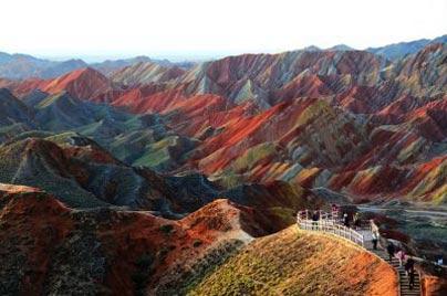 مکانهای دیدنی چین,کوههای رنگارنگ در چین