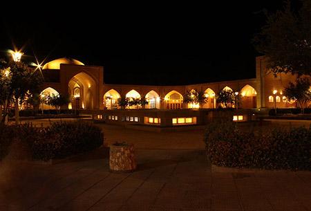 کاروانسرای عباسی مادرشاه,کاروانسرای عباسی مادرشاه کجاست,مکانهای تاریخی اصفهان