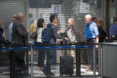 معرفی روش هایی برای رد شدن سریع از قسمت امنیت فرودگاه!