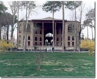 کاخ هشت بهشت آثار زیبای اصفهان