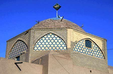 نمایی از مسجدی در میبد