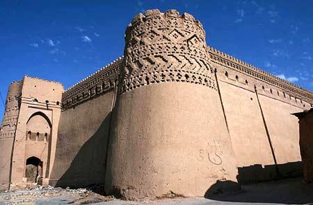قلعه مهرجرد در میبد