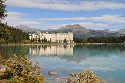 عکس و توضیحات دریاچه های زیبای دنیا