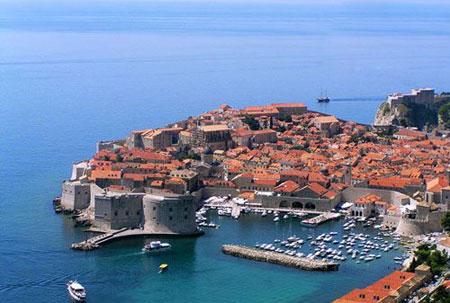 ir2342 1 تور لحظه آخری : زیباترین کشورهای شرق اروپا برای مسافرت