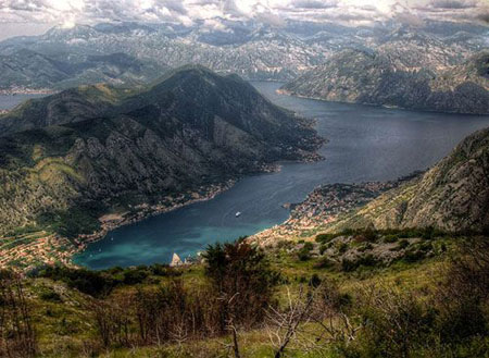 ir2342 3 تور لحظه آخری : زیباترین کشورهای شرق اروپا برای مسافرت