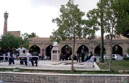 بازار شیخ علاءالدوله