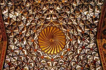 تالار اشرف,تالار اشرف اصفهان,بناهای تاریخی اصفهان