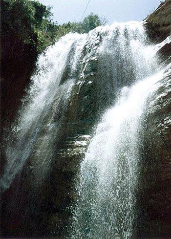 آبشار گچان,جاذبه گردشگری ایلام