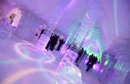 هتل یخی دی گلاس,قطب گردشگری