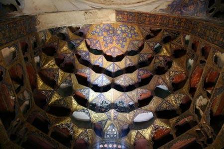 بقعه شیخ صفیالدین در اردبیل,جاذبه های گردشگری اردبیل,مکامهای تفریحی اردبیل