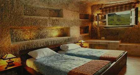 هتل صخرهای کندوان
