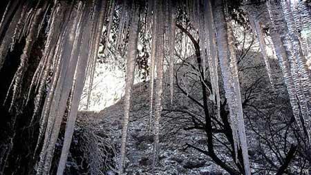 آبشار یخزده و قندیلهای یخی مشهد,گردشگری,تور گردشگری