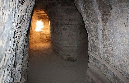 ir2947 3 معماری عجیب غار خربس