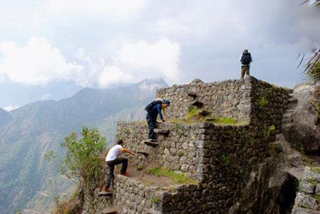 خطرناک ترین گذرگاه ها ، خطرناک ترین گذرگاه های دنیا ، پلکان مرگ