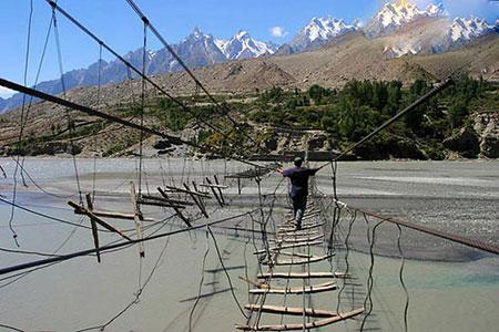 خطرناک ترین گذرگاه های دنیا ، خطرناک ترین گذرگاه ها ، پل هوساینی