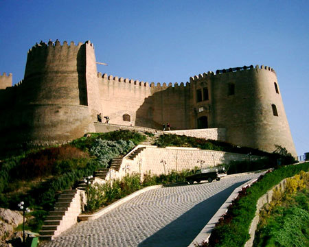 مکانهای تاریخی لرستان,جاهای دیدنی لرستان,عکس های قلعه فلک الافلاک