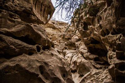 دره چاهکوه از نقاط دیدنی استان هرمزگان, دره چاهکوه در جزیره قشم, جاهای دیدنی جزیره قشم