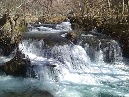 رودخانه خروشان الوند
