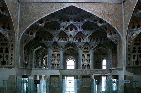 معماری کاخ عالی قاپو,داخل کاخ عالی قاپو
