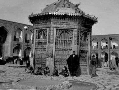 سقاخانه اسمال طلا در حرم امام رضا