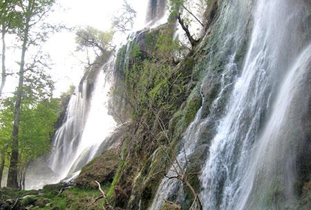 آبشار زرد لیمه در استان چ<p style=