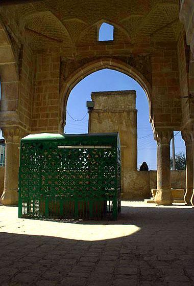 بقعهٔ شیخ یوسف سروستانی,بقعهٔ شیخ یوسف سروستانی