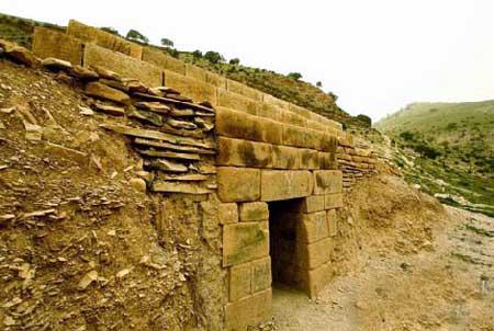 قصر مدفون شيرين و فرهاد