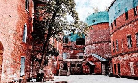 قلعه طاعون،قلعه طاعون در روسی