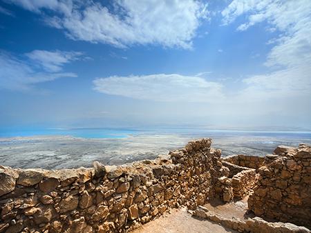 دریای مرده در کجا قرار دارد