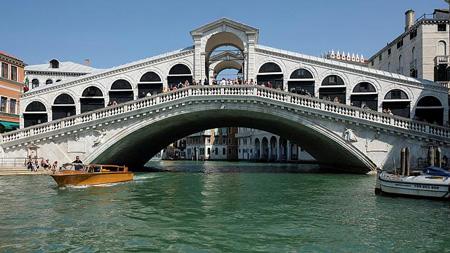 جسر ريالتو بالبندقية ايطاليا