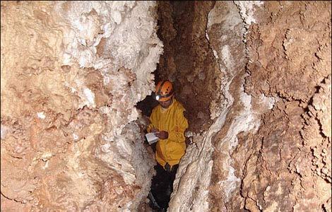 خطرناک ترین غار عمیق ایران