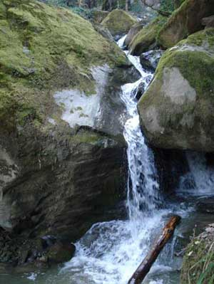آبشار گزو - سوادكوه
