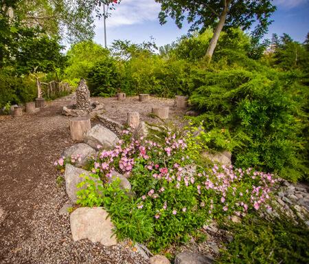 قسمت های مختلف باغ گل های اصفهان, تصاویر باغ گل های اصفهان, درباره ی باغ گل های اصفهان