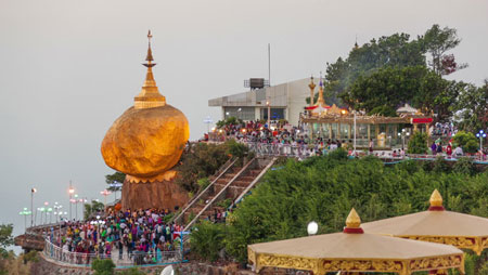 معبد Kyaikhtiyo,عجایب گردشگری,میانمار
