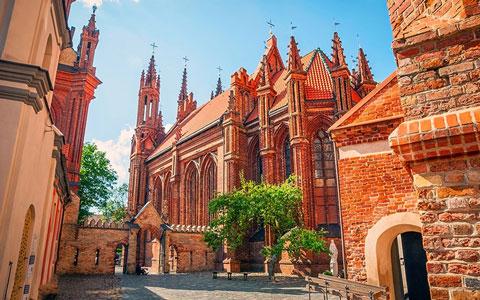 کشور لیتوانی,سفر به لیتوانی,کلیسای سنت