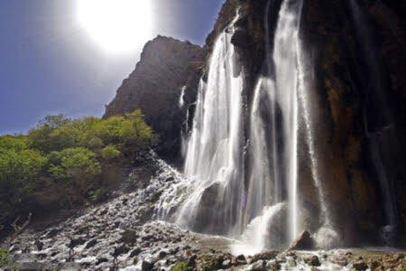 آبشار مارگون یکی از زیباترین آبشارهای کشور