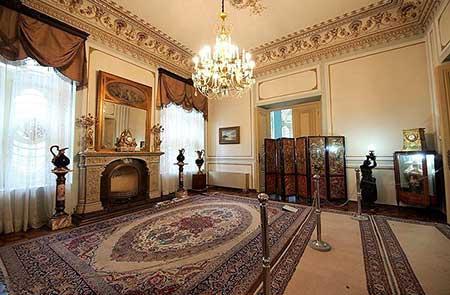 [تصویر:  marble-palace-04.jpg]