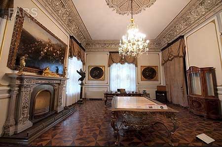 [تصویر:  marble-palace-07.jpg]