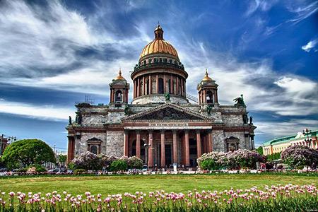 کلیسای سنت اسحاق,کلیسای سنت اسحاق از جاذبه های دیدنی روسیه,عکس های کلیسای سنت اسحاق