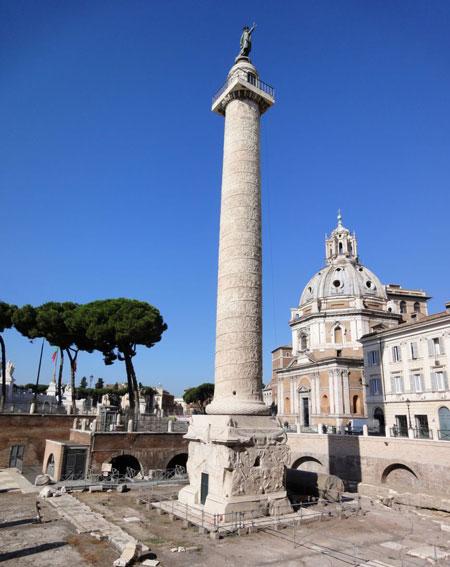 شهر رم,فهرست جاذبههای گردشگری در رم,ستون ترایان