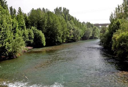 زاینده رود,سد زاینده رود,زاینده رود اصفهان