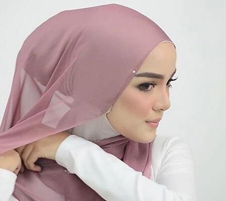 روش های جلوگیری از سر خوردن روسری, نحوه ی جلوگیری از سر خوردن روسری, راه های جلوگیری از سر خوردن روسری
