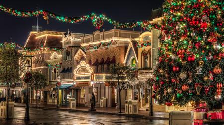 چراغانی شهر برای کریسمس,تزیین شهر برای کریسمس
