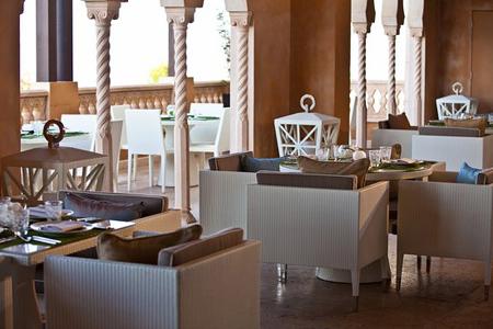 طراحی میز و صندلی برای رستوران, میز و صندلی چوبی برای رستوران