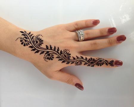 [تصویر:  henna-tattoos20-e1.jpg]